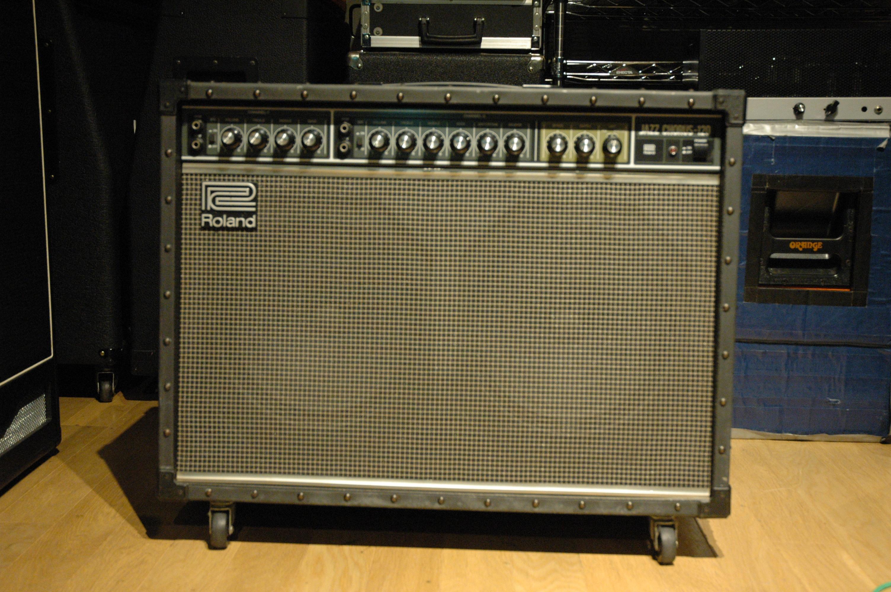 roland-jc-120-0